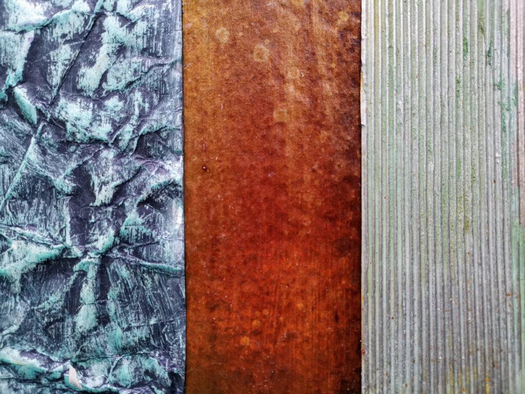 Malen mit Rost und grüner und blauer Patina